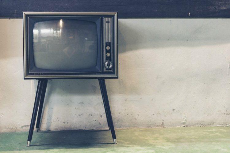 بهترین سایز تلویزیون برای اتاق چه سایزی است؟